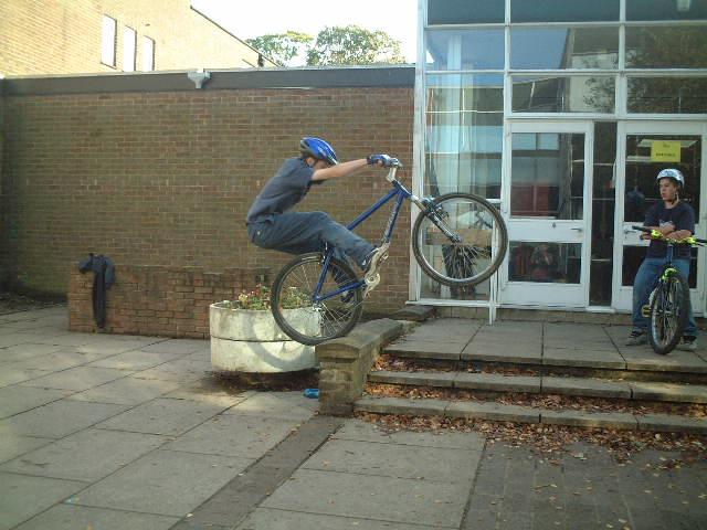 Me Pedal Up 6 Bricks
